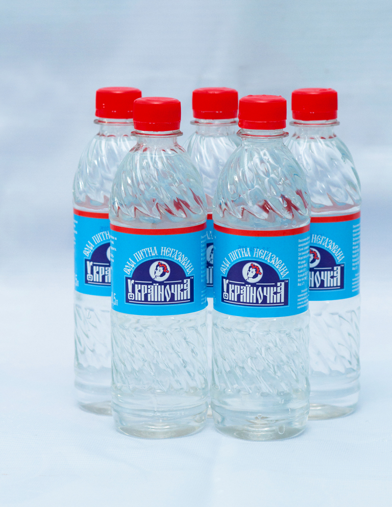 Вода «Украиночка» в бутылках 0,5 л.